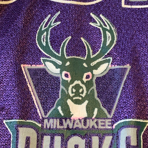Youth L(Fits Mens M-See Measurements) - Vintage Milwaukee Bucks Jersey