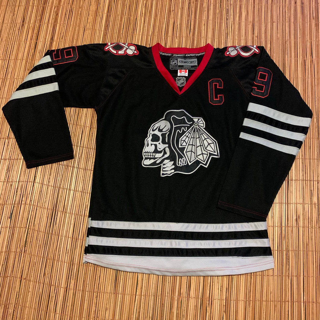 L - RARE Chicago Blackhawks Skull Captain Jersey