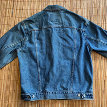 Load image into Gallery viewer, M - Levi's Denim Jean Jacket