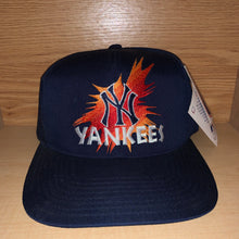 Load image into Gallery viewer, Vintage New York Yankees Hat