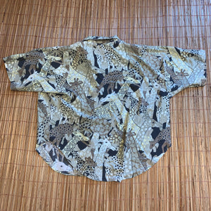 2X/3X - Giraffe Nature Button Up Shirt