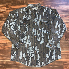 Load image into Gallery viewer, L/XL - Vintage Duck Bay Camo Button Shirt