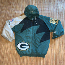 Load image into Gallery viewer, L/XL - Vintage Green Bay Packers Quilted Sharktooth Jacket