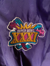 Load image into Gallery viewer, L - Vintage Super Bowl XXXI Starter Jacket