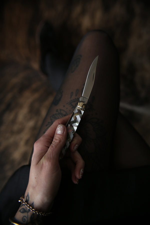Twila Pocket Knife
