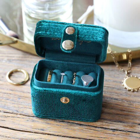 "Velvet ""Starry Night"" Ring Case from Lisa Angel"