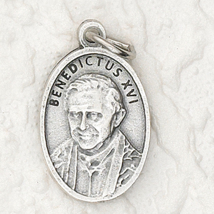 Pope Benedict XVI: Medal [Pack of 25] <p>Made in Italy</p>