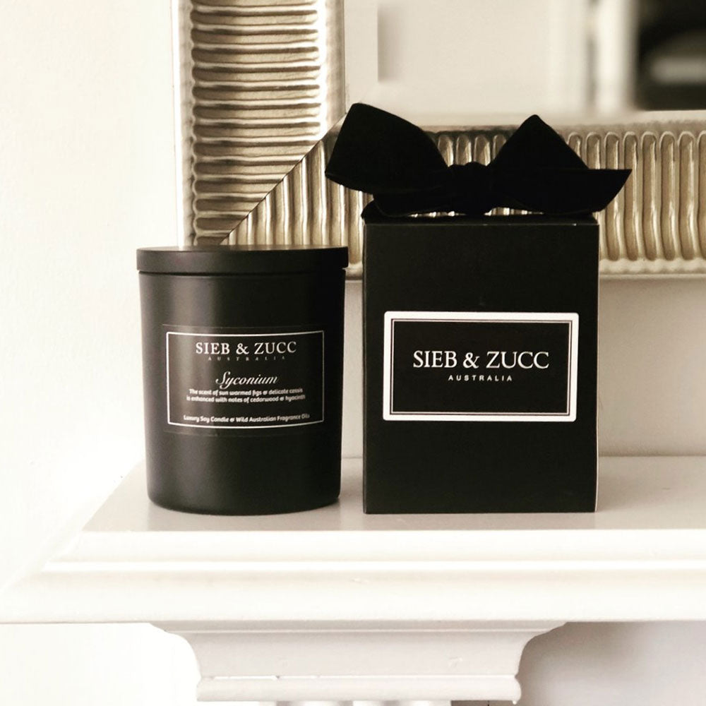 Black Deluxe Candle 400g - Vitis & Fragaria. MADE TO ORDER - EcoClique