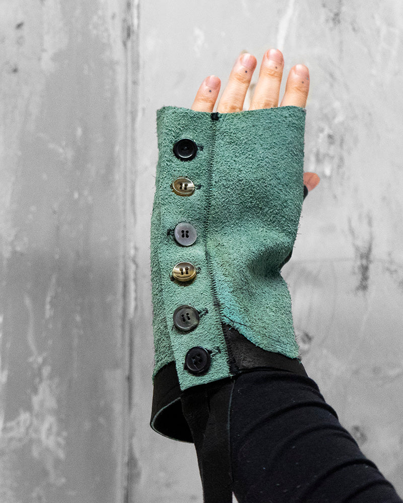 Button Up Gloves