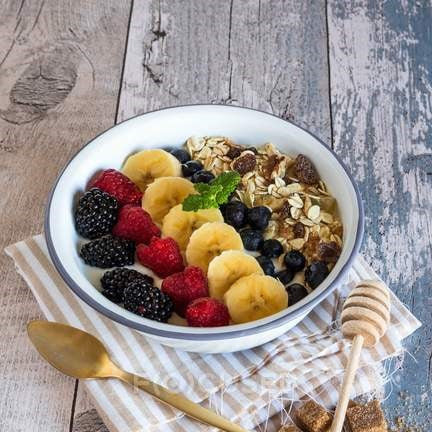 Muesli with Greek Yogurt and Fruit