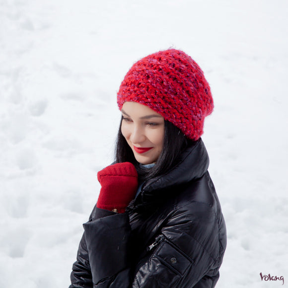 City Slouchy Hat in Red