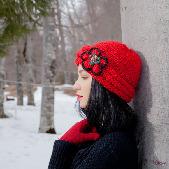 Rosebud Hat in Red