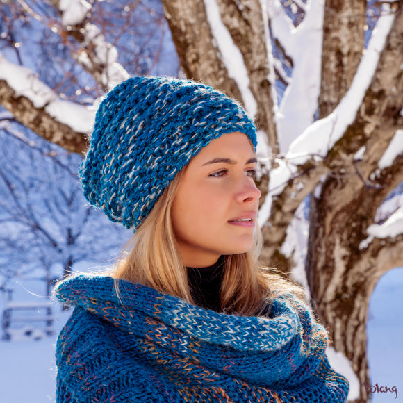 City Slouchy Hat in Teal Blue