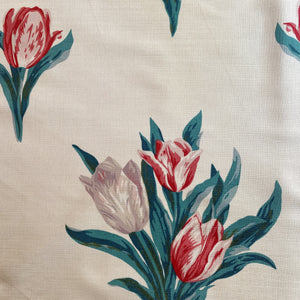 Sophie Meade-Fetherstonhaugh Tulips - Red and Taupe