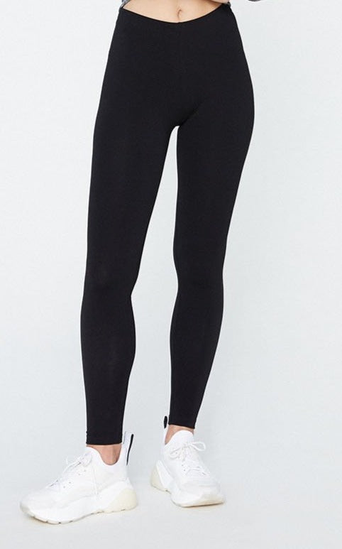 Shivaa Leggings in Black