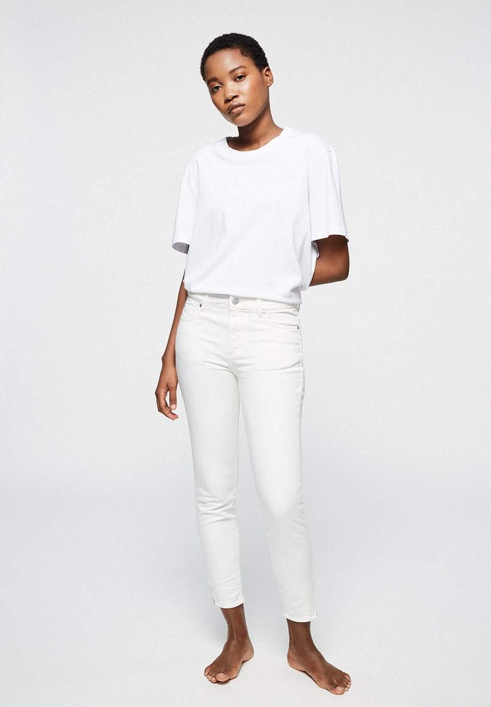 Tilly Skinny Fit Mid Waist in Color White