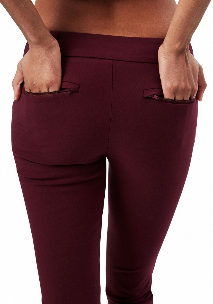 24/7 Pant in Bordeaux