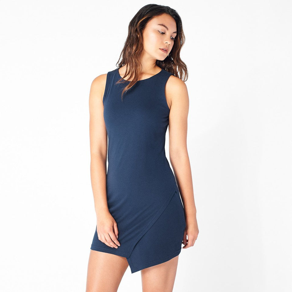 Ridge-Slit Dress in Navy