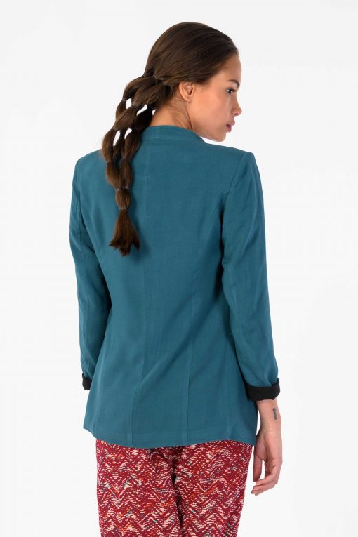 Betire Jacket in Green