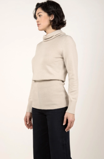Knit Turtleneck in Oatmeal