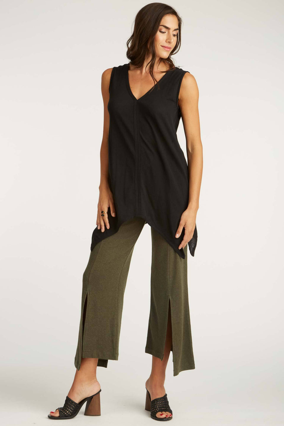Cropped Slit Pant in Moss