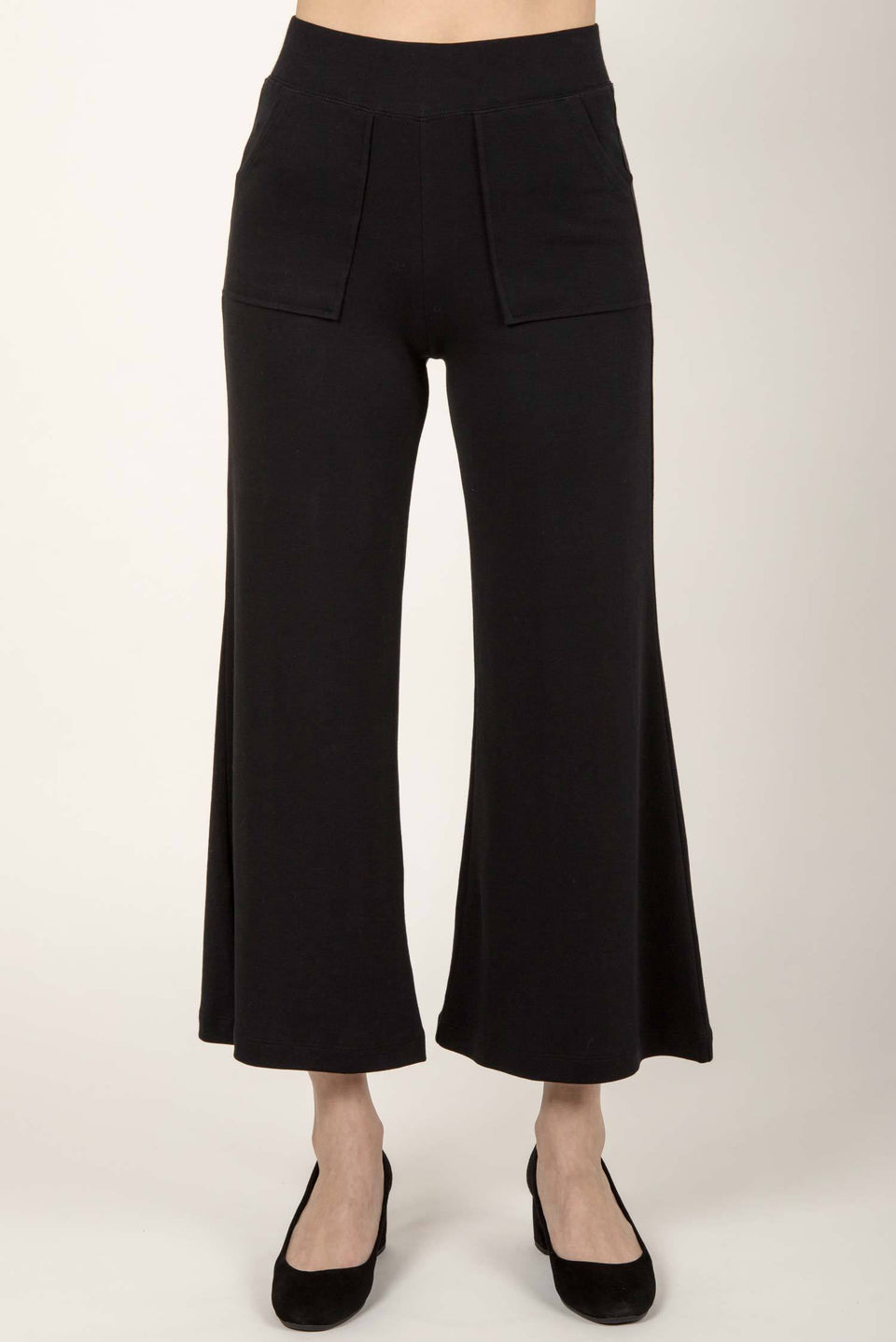 Essential Cropped Wide Leg Pant in Black