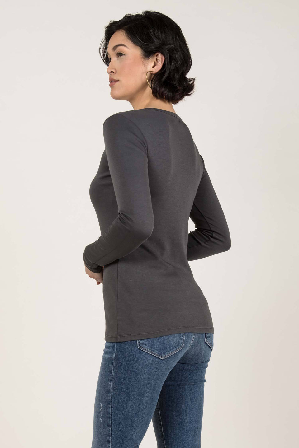 Essential Long Sleeve Scoop Tee in Charcoal