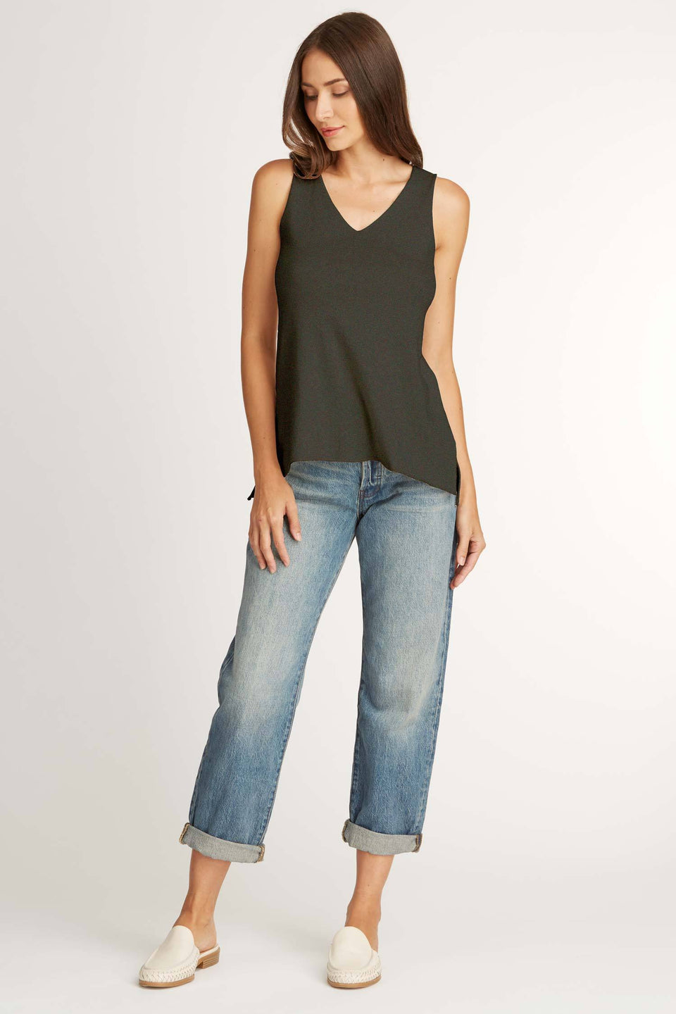 Knit Sleeveless V Neck Top in Noir