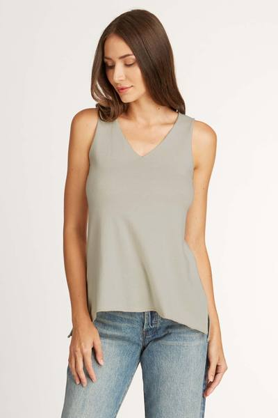 Knit Sleeveless V Neck Top in Gray