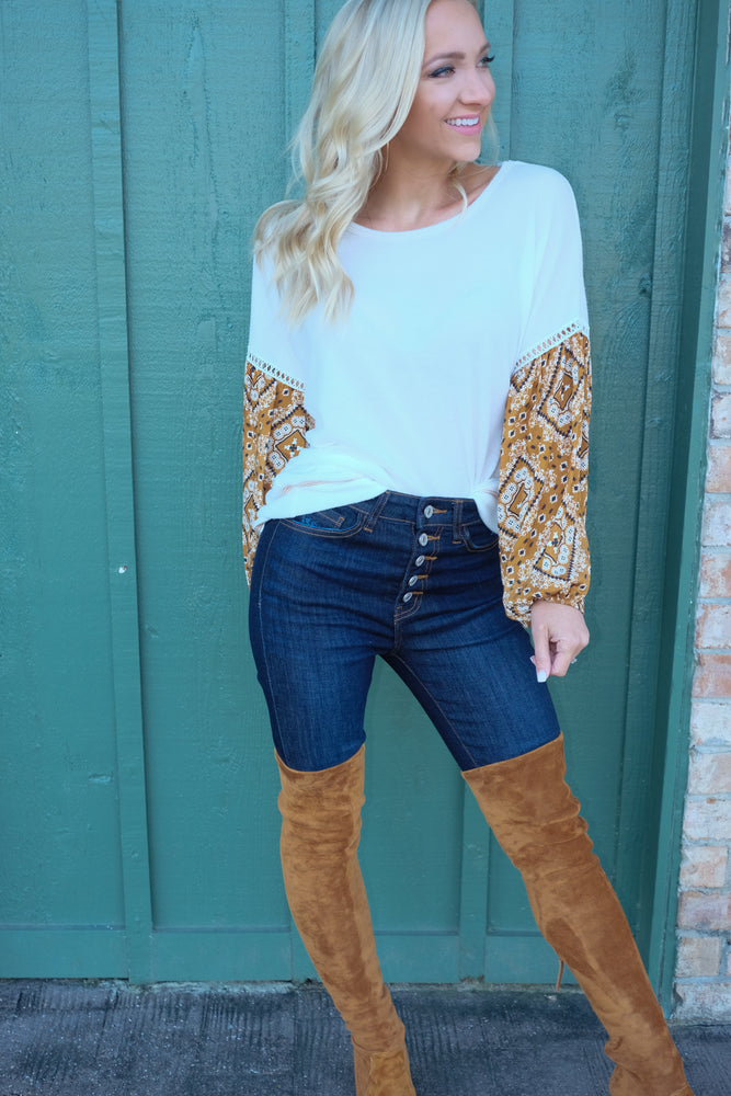CHEYENNE STATEMENT SLEEVE SWEATER