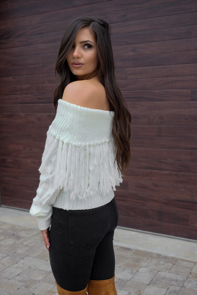 EVERLEIGH OFF THE SHOULDER FRINGE SWEATER- IVORY