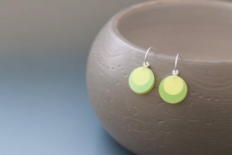 light earrings in sterling silver and fresh green PP