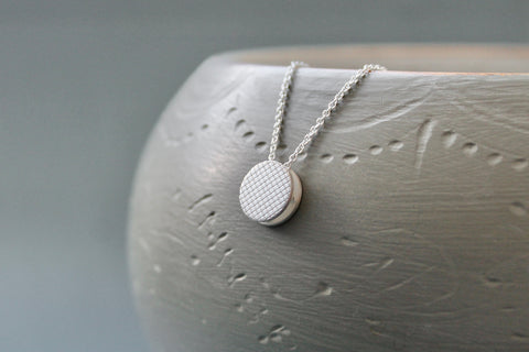 necklace with check pattern pendant in sterling silver