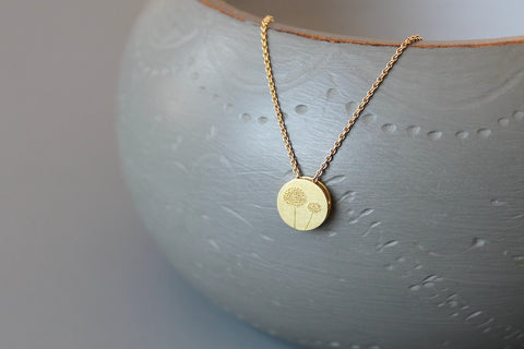 romantic necklace in 18ct gold with reversible dandelion pendant