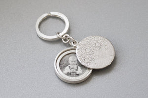 mabotte silver keychain locket with family tree
