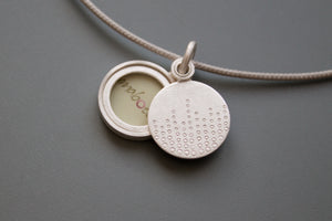mabotte sterling silver photo locket with drops of dew design