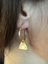 Triangle hoops