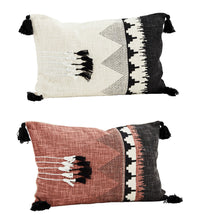 Load image into Gallery viewer, Printed Cushion w/ Tassels 40/60