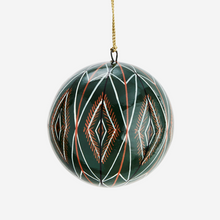Load image into Gallery viewer, Set of 2 Colors Handpainted Papier Maché Balls