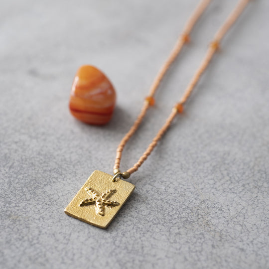 Delight Carnelian Gold Necklace