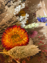 Load image into Gallery viewer, Dried Flower Deluxe Bouquet in a Box