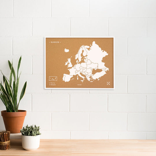 Europe Woody Map Natural L + Frame