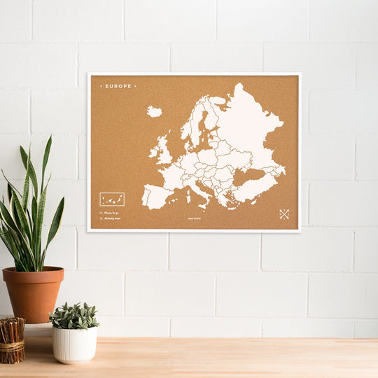 Europe Woody Map Natural XL + frame