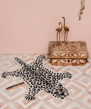 Load image into Gallery viewer, Small Snowy Leopard Rug