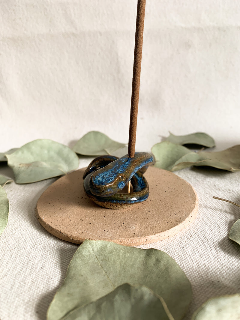 Roots and Knots Snake Incense Holder