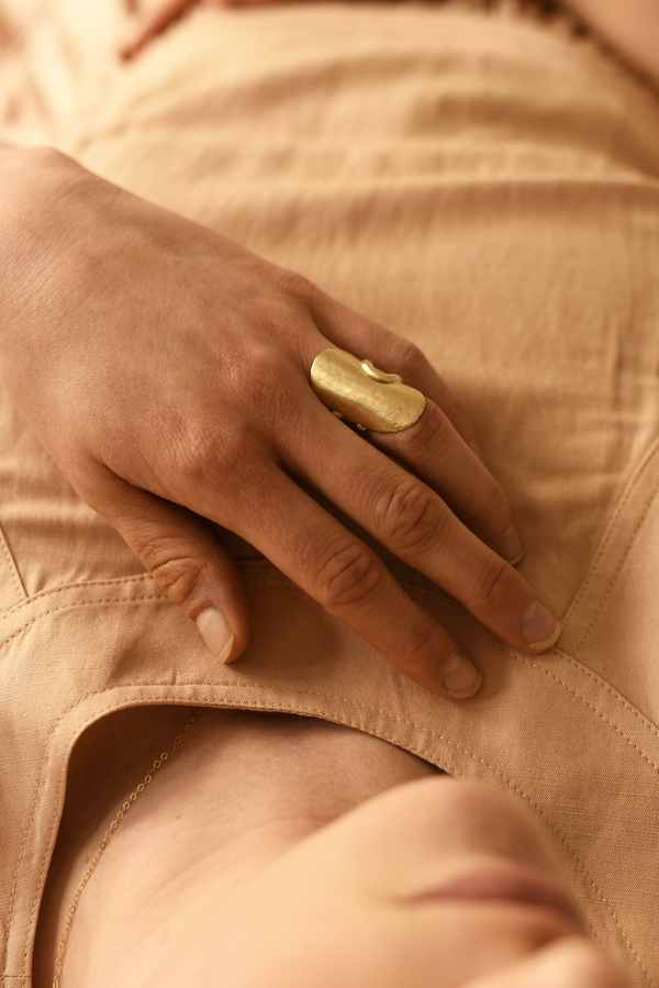 8.6.4 Brass Oval Shield Ring