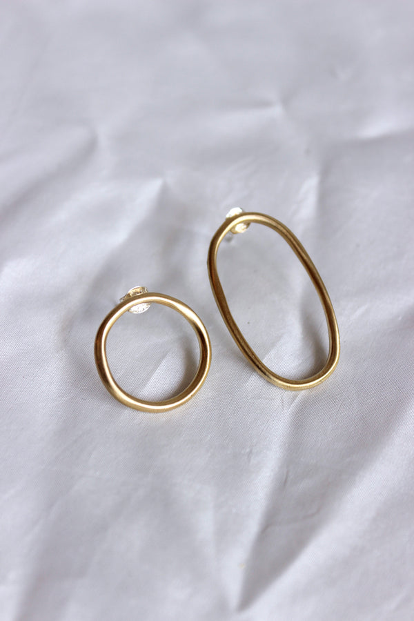 8.6.4. Oval/Circle Mismatch Earrings