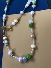 Load image into Gallery viewer, Bead and pearl necklace