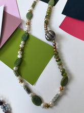 Load image into Gallery viewer, Pearl and bead necklace