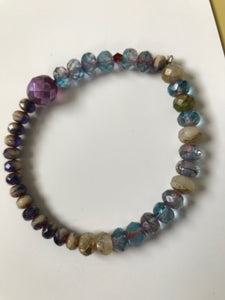 Faceted bead bracelet